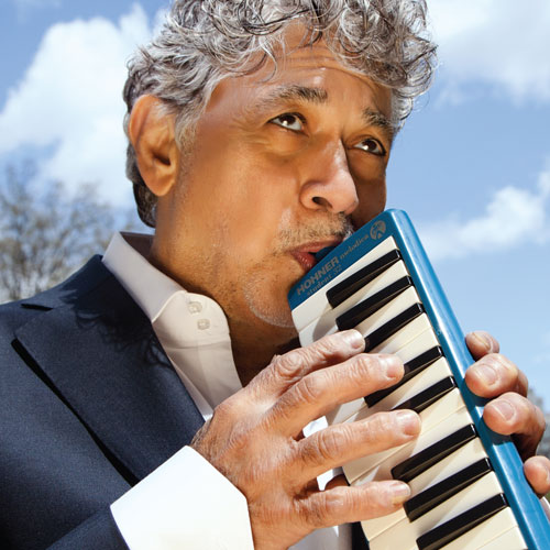 Monty Alexander playing instrument