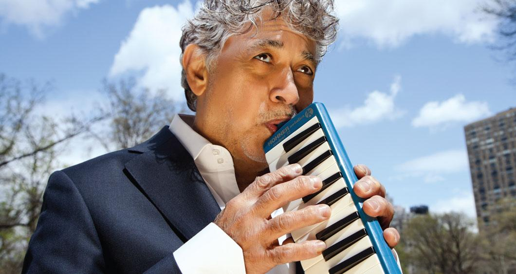 Monty Alexander playing instrument