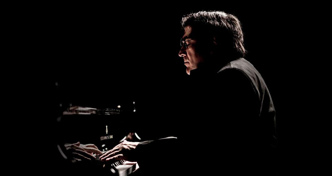 Sergei Babayan performing on the piano